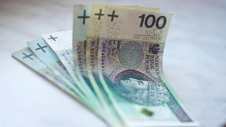 100 mld złotych deficytu, spadek PKB - szacunki ministerstwa finansów