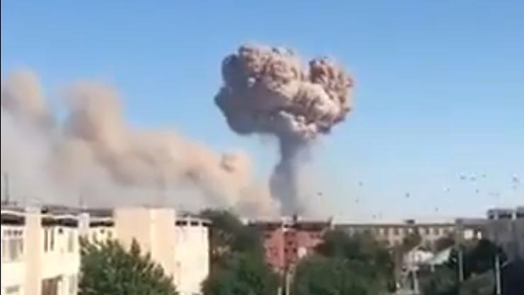 Kazachstan: wybuchy w magazynie amunicji. 45 tys. osób jest ewakuowanych